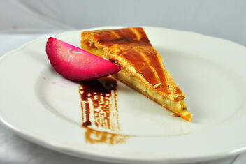 Fourme d'Ambert Tourte Red Pear, Honey-Balsamic